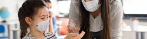 نصائح لتجنب الأطفال التأثيرات الضارة لمعقمات اليدين