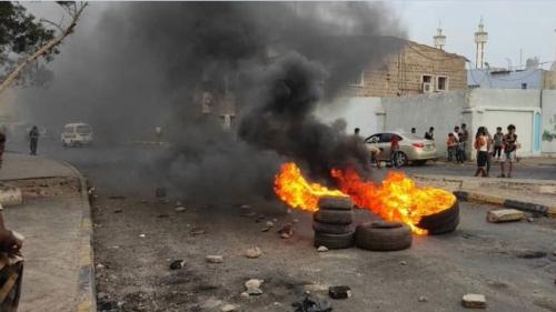 إعلامي سعودي يعلق على تصاعد الاحتجاجات في عدن ضد التحالف والانتقالي والشرعية..