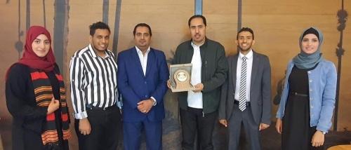 الوزير نايف البكري يلتقي وفد اليمن المشارك في ملتقى العواصم العربية