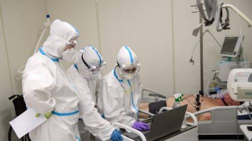 الطب الشرعي يكشف آثار كورونا على جثث ضحايا الجائحة