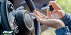 هل تؤثر مطهرات اليدين على أجزاء مقصورة السيارة؟