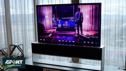بجودة فائقة.. إطلاق أول تلفاز بشاشة قابل للف في العالم