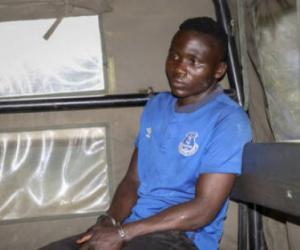 """قرويون غاضبون يطبقون """"قانون الغابة"""" على رجل اعترف بقتل عشرات الأطفال في كينيا"""
