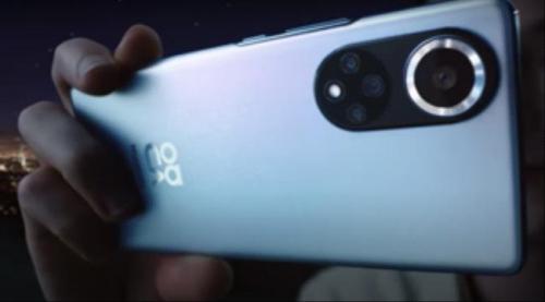 """""""هاتف المستقبل"""" من هواوي يظهر بقدرات تصوير ممتازة"""