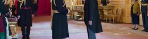 طبيب عراقي يحصل على أعلى تكريم بريطاني من الأمير تشارلز