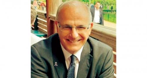 السفير البريطاني: إيران تلعب دورا سلبيا في اليمن