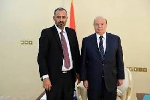 الرئيس هادي يستقبل( الرئيس) الزبيدي والوفد المرافق له