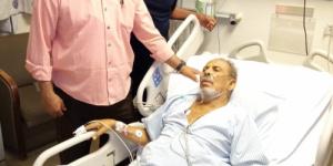 الوزير نايف البكري يطمئن على صحة الإعلامي عبدالله قائد