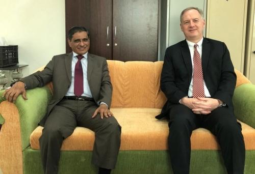 محافظ حضرموت يستقبل بالمكلا سفير الولايات المتحدة الأمريكية لدى اليمن (موسع)