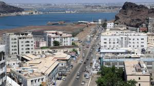 ما السبب الذي قاد إمام مسجد في كريتر بمدينة عدن للقيام بأغرب صلاة جمعة ؟
