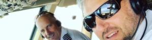 """رعب في الجو.. القائد نظر من نافذة طائرته """"فكاد يموت فزعا"""""""