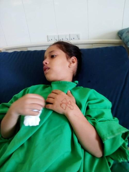 كاد يفقد أبنته.. والد طفلة مريضة يشكو من سوء المعاملة في مستشفى 22 مايو الجراحي