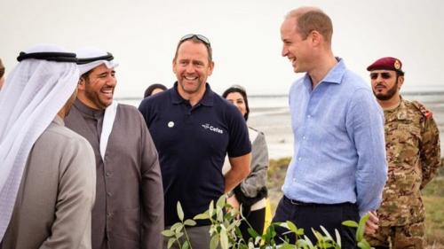 الأمير البريطاني وليام يقضي يومه في خيمة تقليدية بالكويت (صور وفيديو)