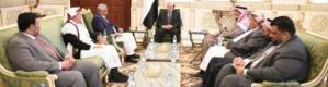 الرئيس هادي يخول محافظ حضرموت بصلاحيات جديدة لبناء اليمن الاتحادي