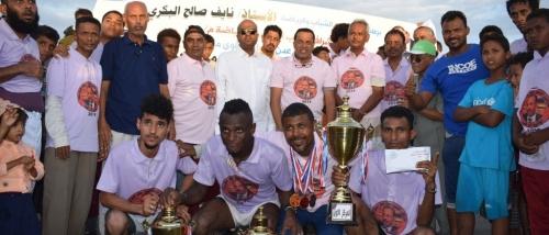 عبده الحطمة  يتحصل على المركز الأول بسباق الضاحية لماراثون الشهيد جعفر محمد سعد بعدن