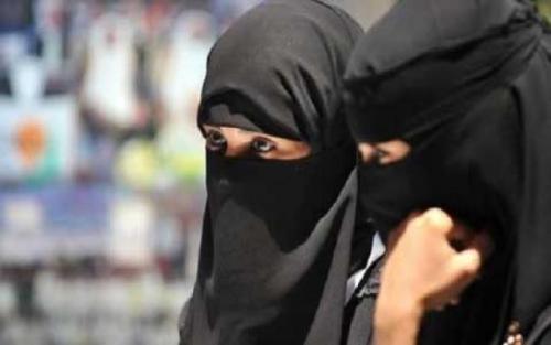 قصص ابتزاز إلكتروني لـ فتيات يمنيات تنتهي بإقامة علاقة غير شرعية