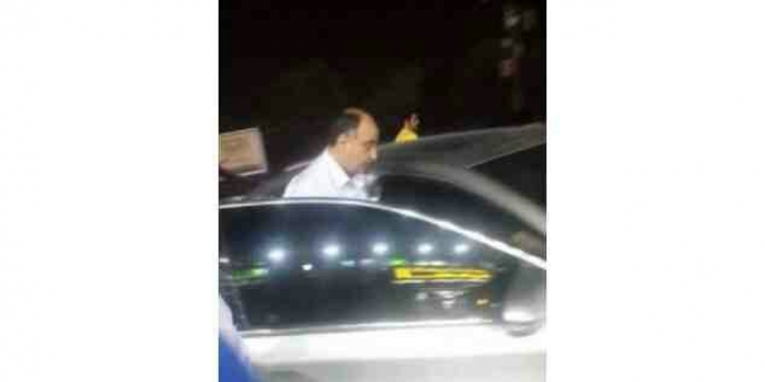 صورة .. المتهم بتسليم عمران وصنعاء للحوثي يظهر في عاصمة عربية