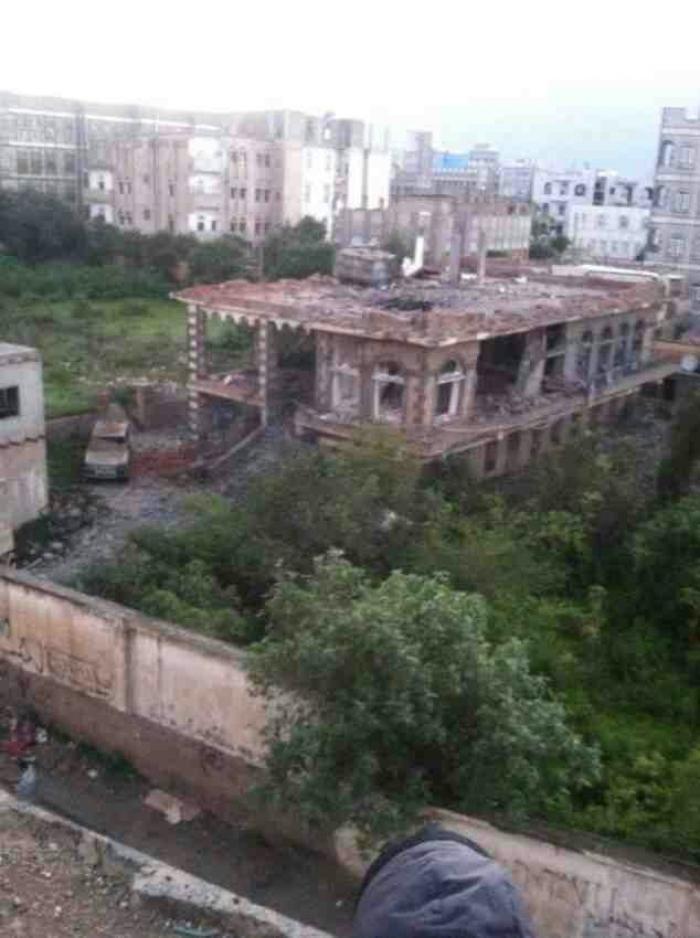 شاهد .. منزل السقاف الذي قصفه التحالف في قلب إب