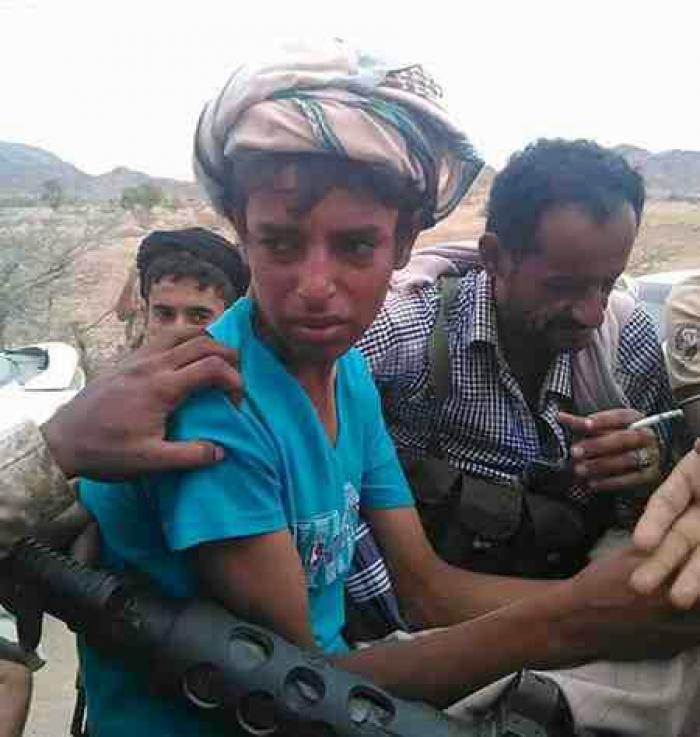 """صورة وحدث .. """"عمار"""" أصغر مقاتل""""حوثي"""" الذي أبكى مقاومة أبين"""