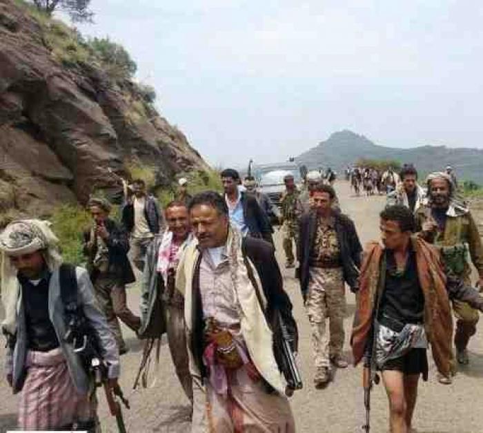 مليشيات الحوثي وقوات صالح تقصف جبل بعدان في اب