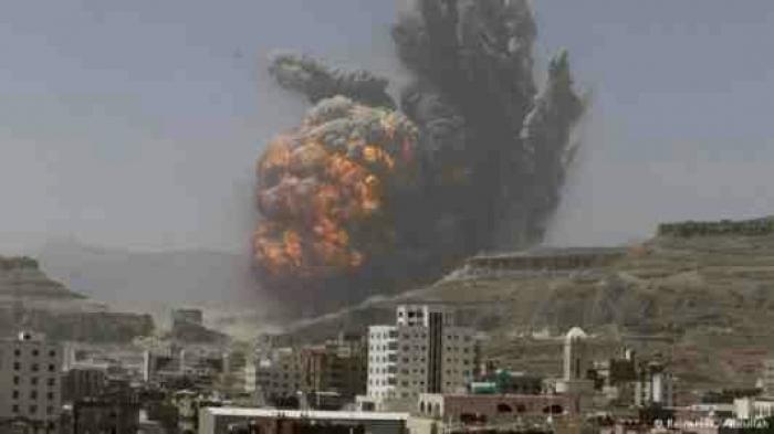 """عاجل """" انفجارات عنيفة تهز العاصمة صنعاء """" اسماء المواقع المستهدفة"""