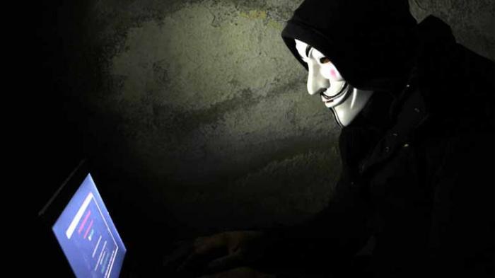 """خبير: الحرب العالمية الثالثة إلكترونية وقد يخسرها الغرب ضد """"داعش"""""""