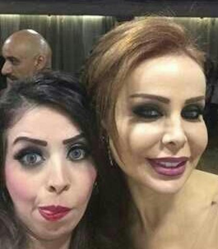 شاهد : ملكة جمال اليمن تلتقط »سيلفى« مع رولا سعد