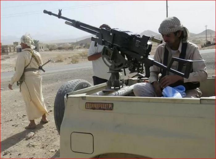 قوات الشرعية تستعيد أحد أكبر المعسكرات الاستراتيجية من الانقلابيين على الحدود مع السعودية