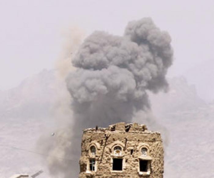 الجيش اليمني الموالي للشرعية يتمدد شمال صنعاء والتحالف يقصف معسكرا للمتمردين