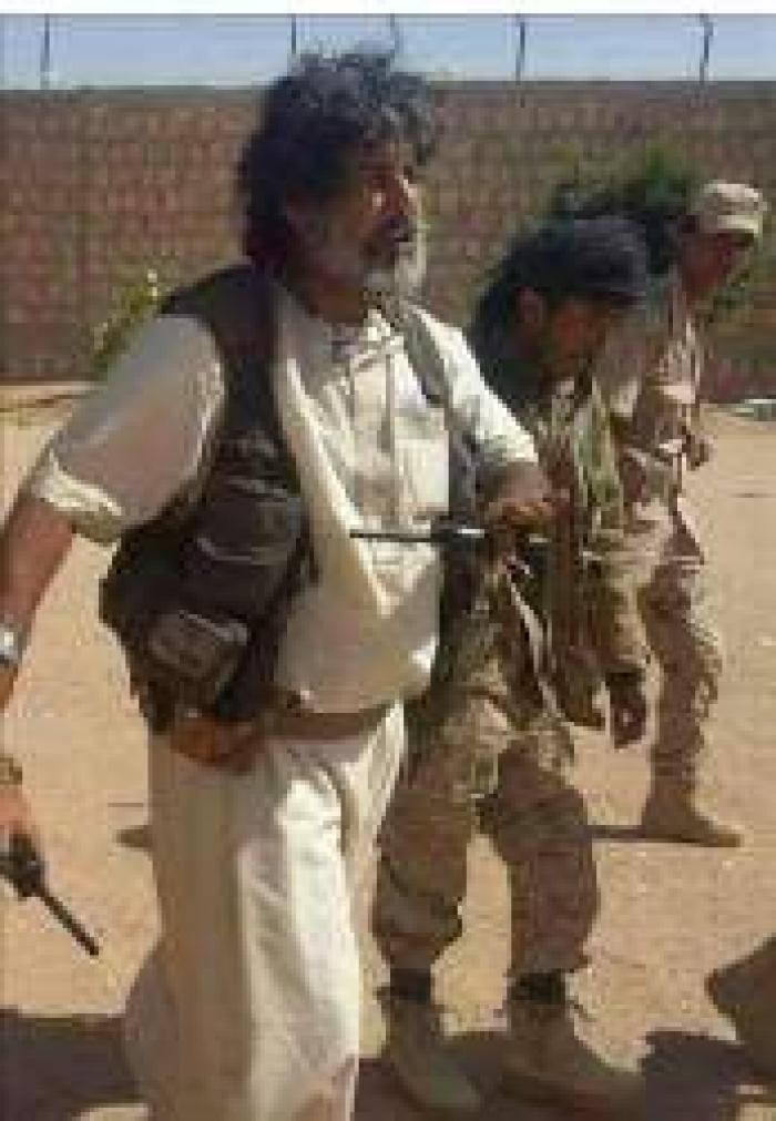 """العكيمي لــ""""الانقلابيين"""": أريد أخي القشيبي حيا"""