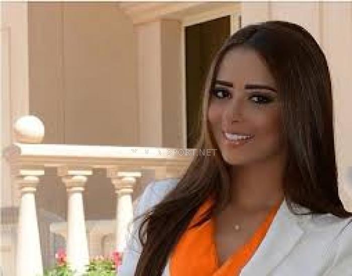شاهد الفيديو : اليمنية بلقيس فتحي تقلد التمباكي فتشعل مسرح البحرين