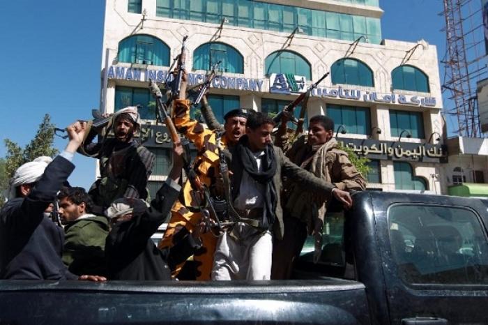 الحوثة والمتحوثين يفرون إلى اب وسط اليمن