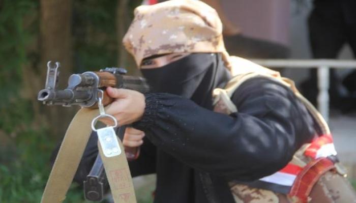 يمنيات مقاتلات.. المساواة مع الرجال في قلب الحرب