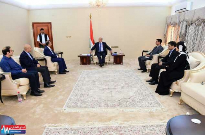 يراسه طبيب عدني : الرئيس هادي يستقبل وفد ابولو الهندية .. صورة