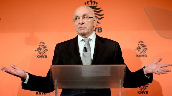 الهولندي فان براغ يقترب من الترشح لرئاسة اليويفا