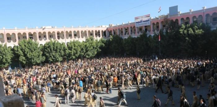 اليمن.. ثورة المدارس تعمق من أزمات الحوثيين