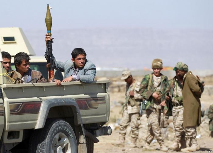 عاجل : اقتحام ونهب معسكر الاستقبال بالعاصمة صنعاء