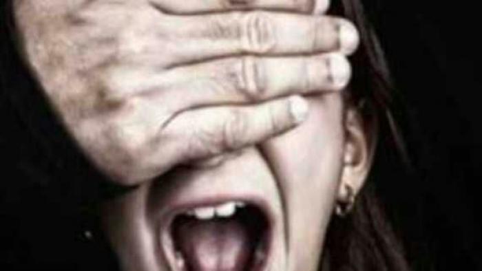 مسؤول بالسفارة يكشف عن اختطاف فتاة يمنية بالقاهرة