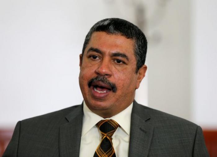 بحاح يصدر توجيهات جديدة لوزارة المالية والبنك المركزي اليمني بصنعاء