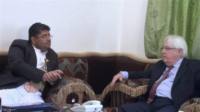 شاهد صورة مثيرة  للمرشح خلفاً للمبعوث الأممي اسماعيل ولدشيخ مخزن مع الحوثي بصنعاء