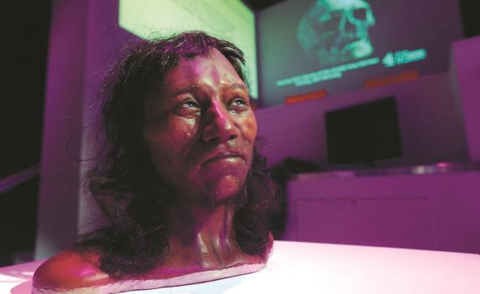 دراسة: البريطانيون القدماء ذوو بشرة سمراء وشعر أجعد