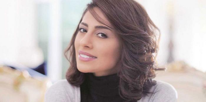 """بالفيديو.. الفنانة السعودية إلهام علي لمنتقدي مظهرها: """"اللي يجرح كف على عينه"""""""