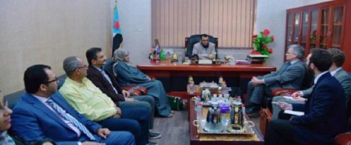 نائب رئيس المجلس الانتقالي الجنوبي يستقبل مبعوث مملكة السويد إلى اليمن وليبيا
