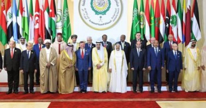 جدل واسع بسبب صورة لممثل قطر… شاهد كيف تعامل معه الزعماء