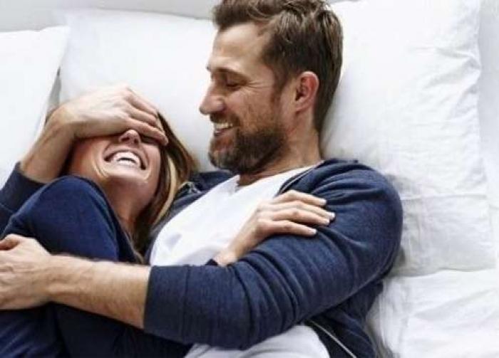 طرق طبيعية لتعزيز الإثارة الجنسية بين الزوجين