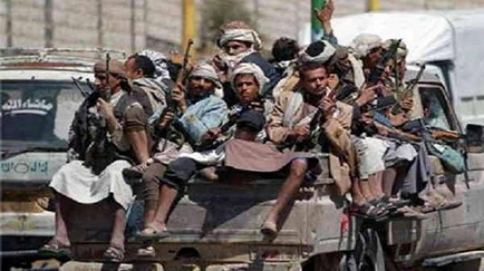 شاهد بالفيديو مجزرة حقيقية لمليشيا الحوثي.. جثث قتلى وجرحى مرمية في عدة مواقع.. (فيديو)