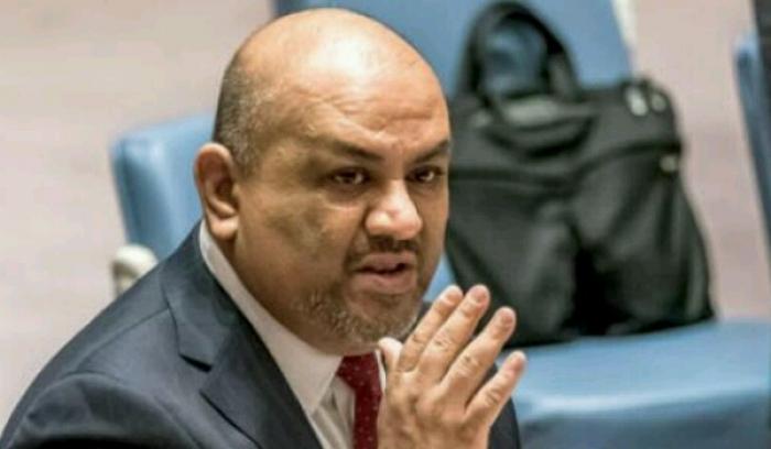 اليماني : اليمن يمتلك قراره .. وقراره تحرير الحديدة وقطع راس الافعى