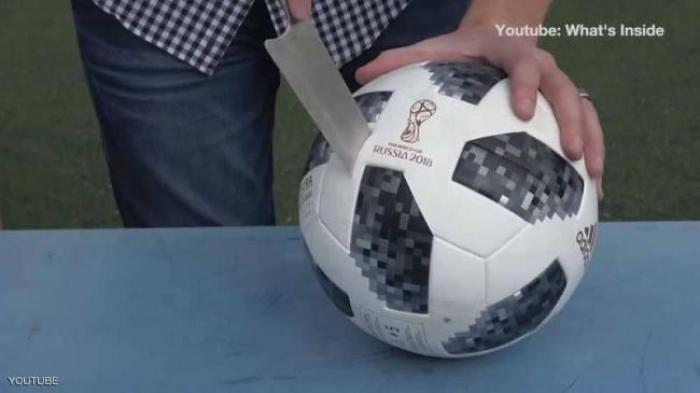 """فيديو تمزيق كرة المونديال يغزو """"يوتيوب"""""""