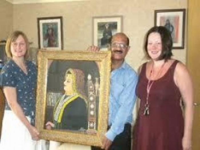 شاهد صورة نادرة للملكة أروى بنت احمد الصليحي
