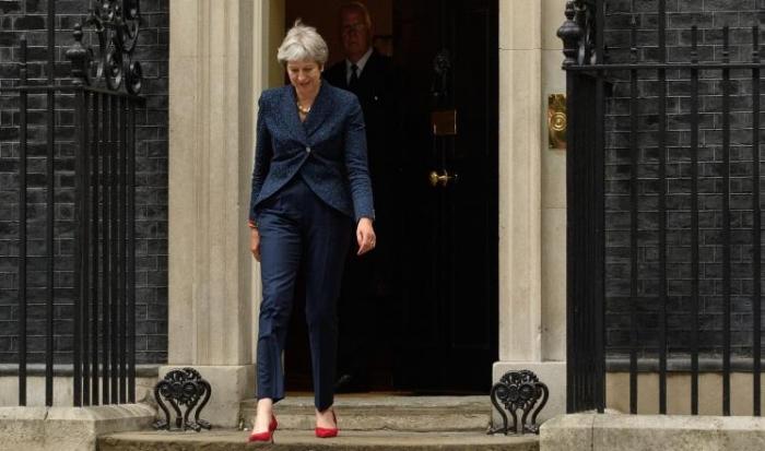 تفاصيل الأزمة السياسية العاصفة ببريطانيا